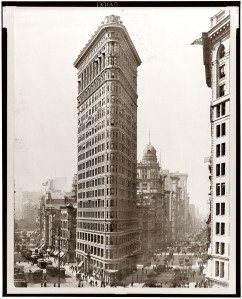 The Flatiron building as it appeared around the time of my father's birth in 1919.  It wasn't actually in the dream, but it's just too cool not to include.